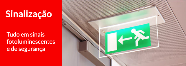 sinais de segurança e extintores de incêndio