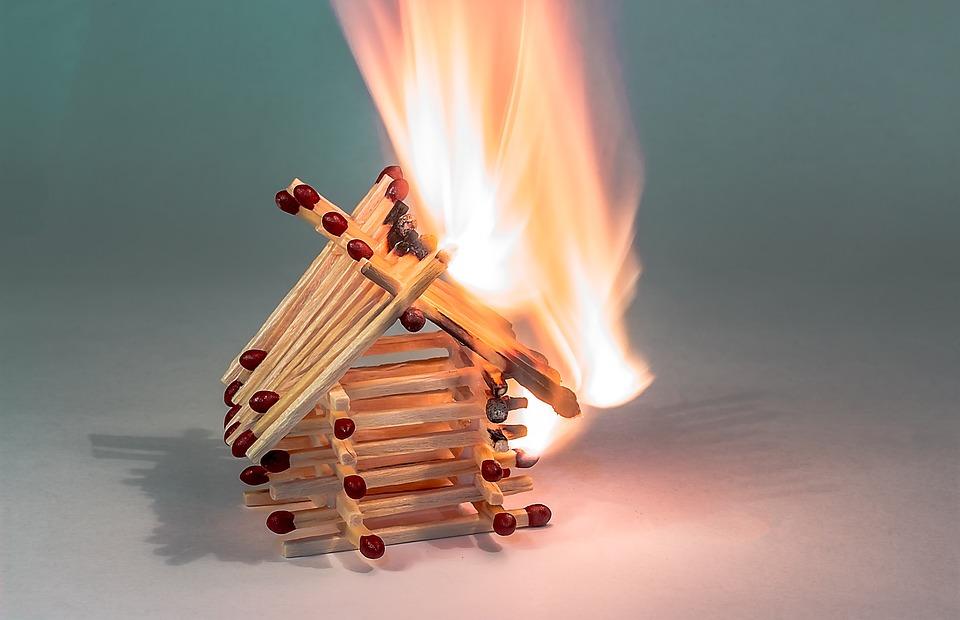 Extintores de incêndio, é obrigatório ou recomendado tê-los? 1